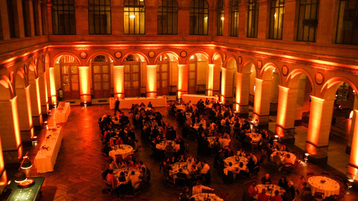 Dj au palais de la bourse de paris deminuit - Salon palais brongniart ...
