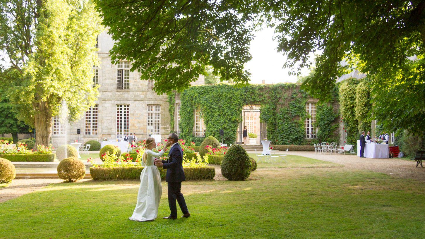 DJ et Mariés au Château de Nandy