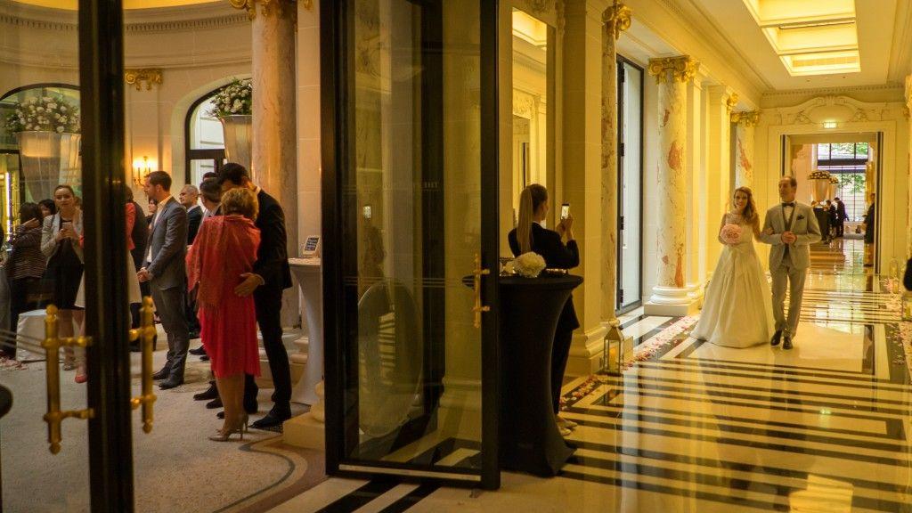Cérémonie laïque à l'Hotel Peninsula de Paris