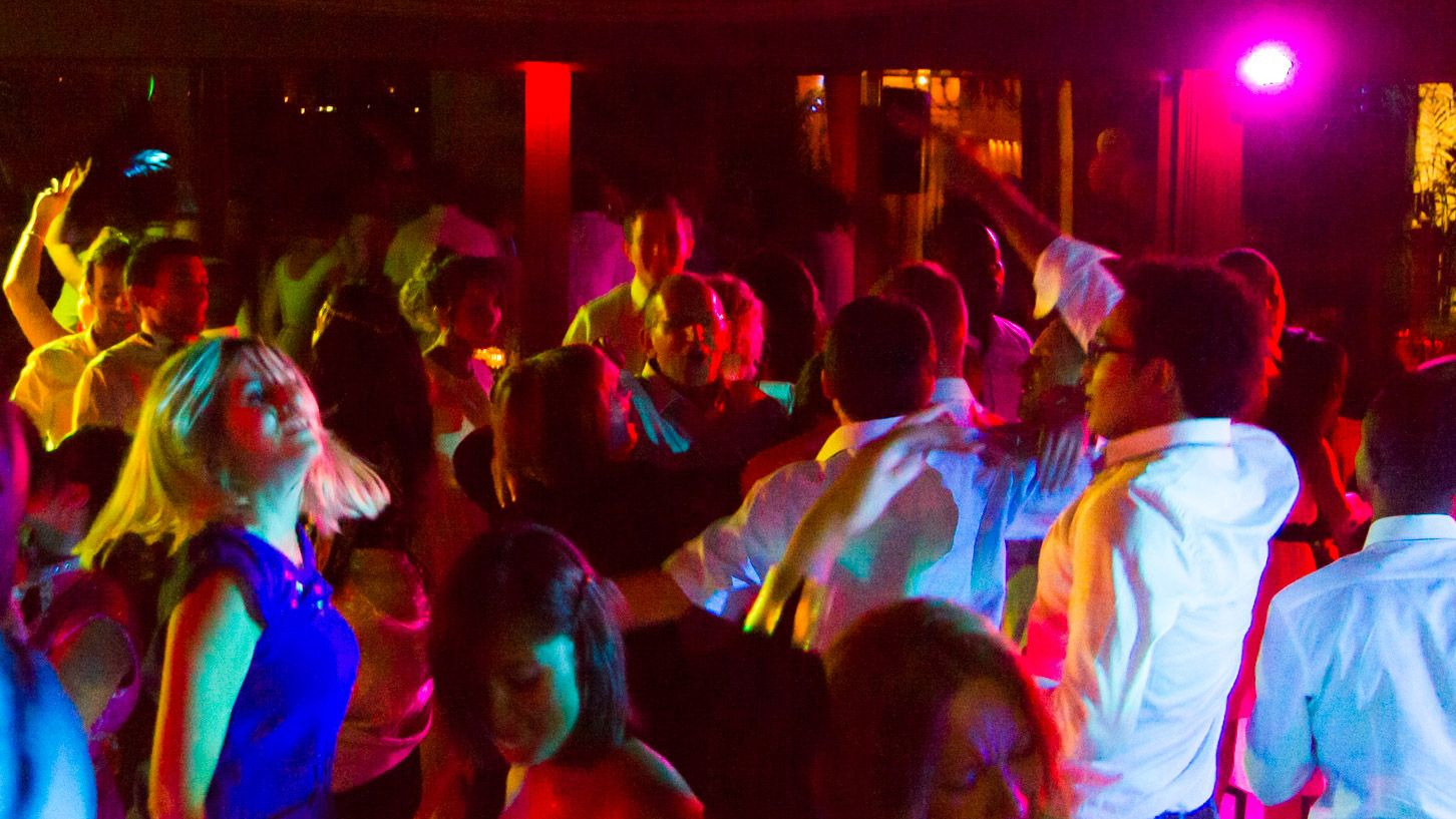 Soirée DJ mariage au Manoir Paris Country Club